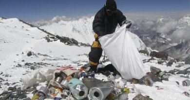 Nepal bans Single-use plastics in the Everest region